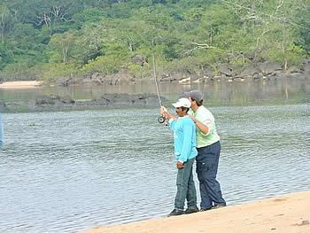 Pescando no Rio Roosevelt